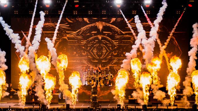 Nightwish Bühne frontal mit Pyro